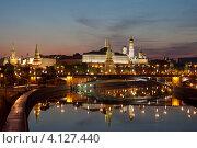 Купить «Москва. Вид на Большой Каменный мост и Кремль», эксклюзивное фото № 4127440, снято 8 мая 2012 г. (c) Литвяк Игорь / Фотобанк Лори