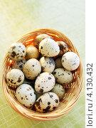 Купить «Перепелиные яйца в корзине», фото № 4130432, снято 14 декабря 2012 г. (c) Юлия Маливанчук / Фотобанк Лори