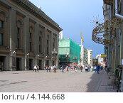 Купить «Улица Арбат, Москва», эксклюзивное фото № 4144668, снято 23 апреля 2012 г. (c) lana1501 / Фотобанк Лори