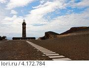 Купить «Старый маяк Capelinhos на острове Файал, Азорские острова», фото № 4172784, снято 4 мая 2012 г. (c) Юлия Бабкина / Фотобанк Лори