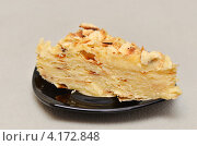 Купить «Торт Наполеон», фото № 4172848, снято 7 января 2013 г. (c) Анна Мартынова / Фотобанк Лори