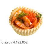 Аппетитная закуска с красной икрой и креветками. Стоковое фото, фотограф Андрей Старостин / Фотобанк Лори