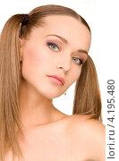 Купить «Очаровательная молодая женщина в полотенце с обнаженными плечами», фото № 4195480, снято 6 июня 2010 г. (c) Syda Productions / Фотобанк Лори