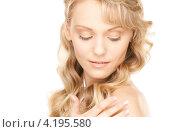 Купить «Портрет соблазнительной девушки со светлыми волосами и идеальной кожей на белом фоне», фото № 4195580, снято 3 апреля 2010 г. (c) Syda Productions / Фотобанк Лори