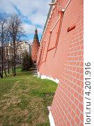Купить «Москва. Кремль, Александровский сад», эксклюзивное фото № 4201916, снято 1 мая 2010 г. (c) lana1501 / Фотобанк Лори