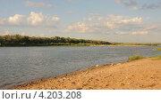 Купить «Берег реки», эксклюзивный видеоролик № 4203208, снято 18 января 2013 г. (c) Юрий Морозов / Фотобанк Лори