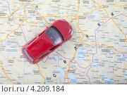 Купить «Автотуризм. Автомобиль на туристической карте», эксклюзивное фото № 4209184, снято 5 января 2013 г. (c) Литвяк Игорь / Фотобанк Лори