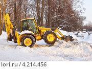 Уборка снега и мусора в Москве (2013 год). Редакционное фото, фотограф Валерия Попова / Фотобанк Лори