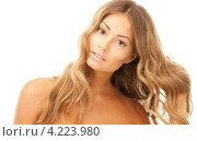 Купить «Портрет очаровательной молодой женщины с безупречной кожей крупным планом», фото № 4223980, снято 14 августа 2010 г. (c) Syda Productions / Фотобанк Лори