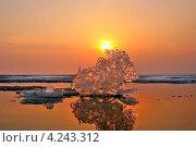 Купить «Весна.Последний лёд.Сибирь. Обское море», эксклюзивное фото № 4243312, снято 22 апреля 2007 г. (c) Евгений Мухортов / Фотобанк Лори