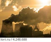 Купить «Загрязнение воздуха», фото № 4248688, снято 2 июля 2020 г. (c) Алексей Кокоулин / Фотобанк Лори