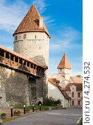 Купить «Башни крепостной стены Старого Таллина», фото № 4274532, снято 7 октября 2012 г. (c) Игорь Соколов / Фотобанк Лори