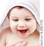 Купить «Счастливый малыш с капюшоном на голове», фото № 4290172, снято 13 марта 2008 г. (c) Syda Productions / Фотобанк Лори