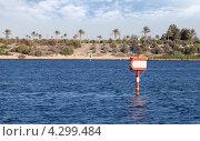 Купить «Навигационный знак в Суэцком канале», фото № 4299484, снято 26 сентября 2012 г. (c) EugeneSergeev / Фотобанк Лори