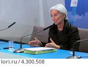 Купить «Кристин Лагард (Christine Madeleine Odette Lagarde) - директор-распорядитель Международного валютного фонда (МВФ) на пресс-конференции посвященной предстоящему саммиту G20», фото № 4300508, снято 16 февраля 2013 г. (c) Игорь Долгов / Фотобанк Лори