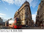 Купить «Улица Пикадилли. Лондон, Великобритания», фото № 4304588, снято 13 октября 2012 г. (c) Антон Балаж / Фотобанк Лори