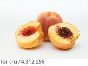 Персики. Стоковое фото, фотограф Артем Свистун / Фотобанк Лори