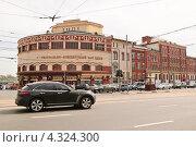 Купить «Театрально-концертный зал Центрального дома культуры железнодорожников (ЦДКЖ)», эксклюзивное фото № 4324300, снято 3 июня 2010 г. (c) Алёшина Оксана / Фотобанк Лори