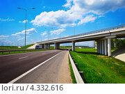 Купить «Эстакада над шоссе», фото № 4332616, снято 5 мая 2012 г. (c) pzAxe / Фотобанк Лори