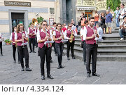 Купить «Духовой оркестр на центральной соборной площади города Амальфи, Италия», эксклюзивное фото № 4334124, снято 9 сентября 2012 г. (c) Илюхина Наталья / Фотобанк Лори