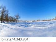 Купить «Зимний пейзаж, поле в снегу», фото № 4343804, снято 16 декабря 2012 г. (c) Игорь Ткачёв / Фотобанк Лори