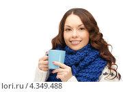 Купить «Очаровательная девушка с кружкой в руках», фото № 4349488, снято 30 октября 2011 г. (c) Syda Productions / Фотобанк Лори