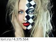 Купить «Девушка с шахматным гримом на лице. Арлекин», фото № 4375564, снято 22 февраля 2013 г. (c) AniriAnA / Фотобанк Лори