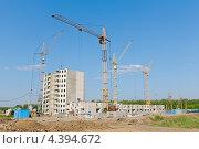 Купить «Город Орел. Строительство дома», фото № 4394672, снято 1 июля 2010 г. (c) Ласточкин Евгений / Фотобанк Лори