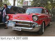Старинный автомобиль Chevrolet (2012 год). Редакционное фото, фотограф Сергей Аряев / Фотобанк Лори