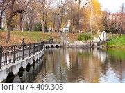 Купить «Осенний парк имени Аксакова в городе Уфе», фото № 4409308, снято 21 октября 2012 г. (c) Геннадий Зуев / Фотобанк Лори