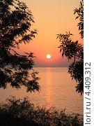 Закат на море. Стоковое фото, фотограф Дмитрий Сушкин / Фотобанк Лори