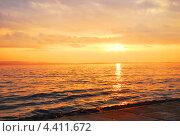 Рассвет над Онежском озере. Стоковое фото, фотограф Олег Соловьев / Фотобанк Лори