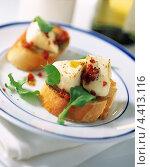 Купить «Итальянские закуски брускетта», фото № 4413116, снято 16 января 2019 г. (c) Food And Drink Photos / Фотобанк Лори