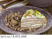 Купить «Торт из печёночных оладий с майонезом», эксклюзивное фото № 4415944, снято 1 марта 2013 г. (c) Александр Курлович / Фотобанк Лори