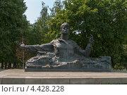Купить «Рязань. Памятник Сергею Есенину», фото № 4428228, снято 21 мая 2019 г. (c) Окапи Вячеслав / Фотобанк Лори