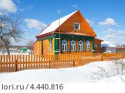 Купить «Сельский деревянный домик», эксклюзивное фото № 4440816, снято 4 марта 2013 г. (c) Елена Коромыслова / Фотобанк Лори