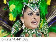 Купить «Женщина в костюме на карнавале в Рио-де-Жанейро, 2013 г», фото № 4441088, снято 10 февраля 2013 г. (c) Михаил Мандрыгин / Фотобанк Лори