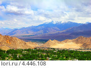 Вид долины Лех, Ладакх, Джамму и Кашмир, Северная Индия (2011 год). Стоковое фото, фотограф Наталия Давидович / Фотобанк Лори