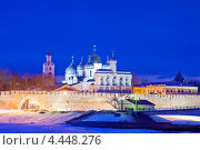 Вечерний вид на звонницы и купола Софийского собора. Великий Новгород (2013 год). Стоковое фото, фотограф Литвяк Игорь / Фотобанк Лори