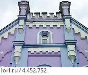 Фрагмент здания с декоративными элементами. Стоковое фото, фотограф kraser / Фотобанк Лори