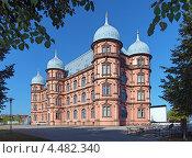 Замок Gottesaue, сейчас Высшая школа музыки Карлсруэ, Германия (2012 год). Стоковое фото, фотограф Михаил Марковский / Фотобанк Лори