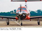 """Самолёт """"Pilatus PC-1247E"""" перед взлётом. Первое российское авиатакси – Dexter (2012 год). Редакционное фото, фотограф Пётр Квашин / Фотобанк Лори"""