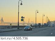 Купить «Утренняя набережная Невы», эксклюзивное фото № 4505736, снято 10 апреля 2013 г. (c) Александр Алексеев / Фотобанк Лори