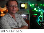 Купить «Портрет учёного в своей научной лаборатории», фото № 4514872, снято 11 июля 2011 г. (c) Losevsky Pavel / Фотобанк Лори