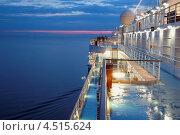 Купить «Палуба корабля в вечернем свете», фото № 4515624, снято 19 июля 2011 г. (c) Losevsky Pavel / Фотобанк Лори