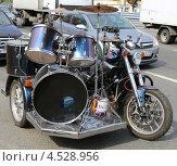 Музыкальный инструмент на колесах (2012 год). Редакционное фото, фотограф Сергей Аряев / Фотобанк Лори