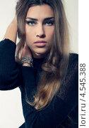 Купить «Портрет красивой девушки в черной водолазке», фото № 4545388, снято 2 марта 2013 г. (c) Михайлов Виталий / Фотобанк Лори