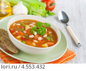 Купить «Овощной суп с сельдереем и белой фасолью», фото № 4553432, снято 11 апреля 2013 г. (c) Надежда Мишкова / Фотобанк Лори