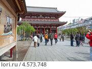 Купить «Внутренние ворота The Hozomon gate, храм Senso-ji в Asakusa, Tokyo, Japan», фото № 4573748, снято 10 апреля 2013 г. (c) Кекяляйнен Андрей / Фотобанк Лори
