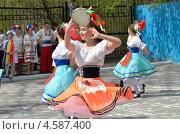 В ритме танца (2013 год). Редакционное фото, фотограф Анатолий Уткин / Фотобанк Лори